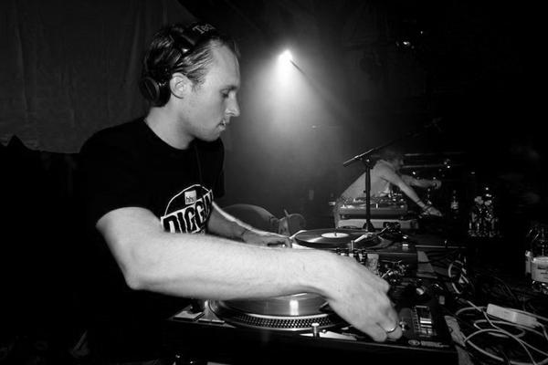 DJ TURNTILL - A BERN BASED DJ